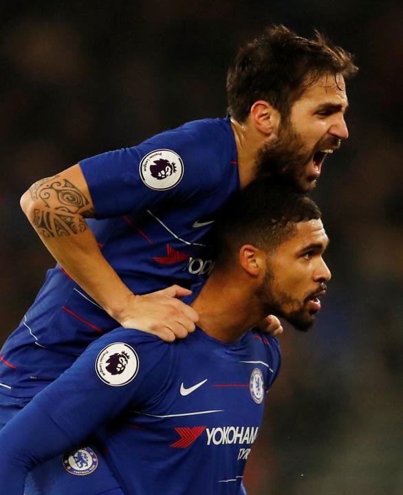 Thua ngược Wolverhampton, Chelsea rơi xuống thứ 4 - Ảnh 2.