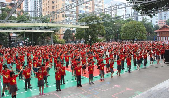 1.000 học trò nhảy Việt Nam ơi cực kỳ dễ thương trước bán kết 2 - Ảnh 3.