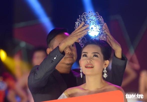 Dứt khoát không cấp phép Ngân Anh thi Hoa hậu Liên lục địa - Ảnh 1.