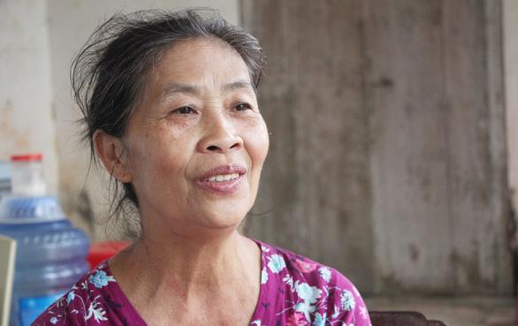 Mẹ Công Phượng, Văn Đức ra Hà Nội cổ vũ con đá ở Mỹ Đình - Ảnh 1.