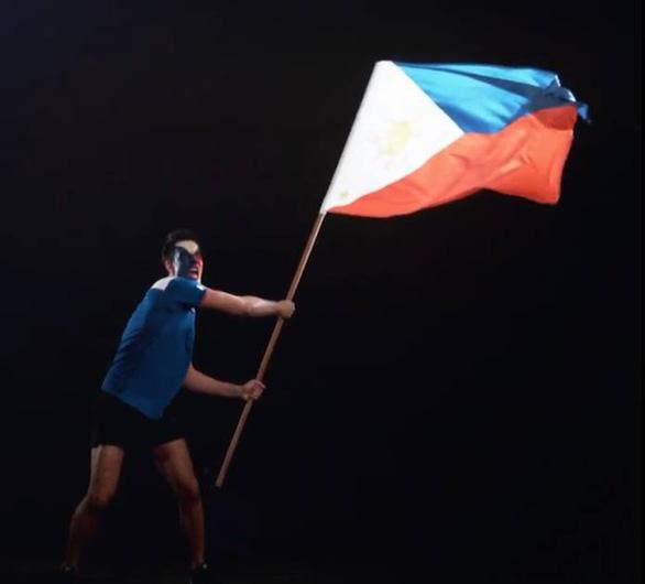Đội nhà thất thế, CĐV Philippines thách CĐV  Việt đấu...bóng rổ - Ảnh 4.