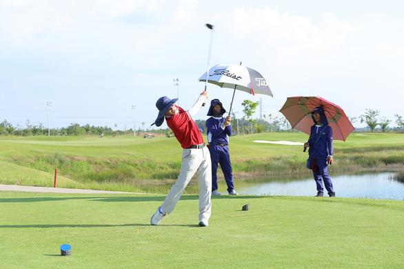 129 golfer tham dự giải Golf BMD Furniture 2018 lần 3 - Ảnh 5.