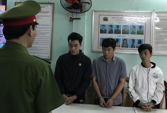 300 người sập bẫy bán xe giá rẻ của 3 sinh viên Đà Nẵng - Ảnh 1.