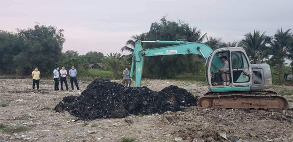 Vụ đem chất thải san lấp mặt bằng: Chất thải có nguồn gốc từ sản xuất giấy - Ảnh 3.