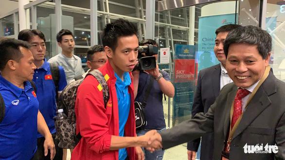 Tuyển Việt Nam đã đến Malaysia chuẩn bị trận chung kết AFF Cup - Ảnh 3.