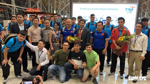 Tuyển Việt Nam đã đến Malaysia chuẩn bị trận chung kết AFF Cup - Ảnh 6.