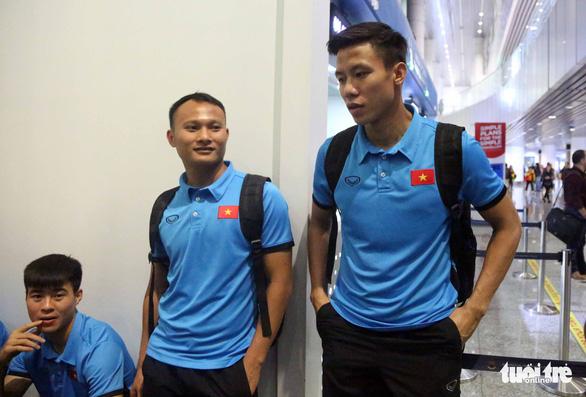 Tuyển Việt Nam đã đến Malaysia chuẩn bị trận chung kết AFF Cup - Ảnh 14.