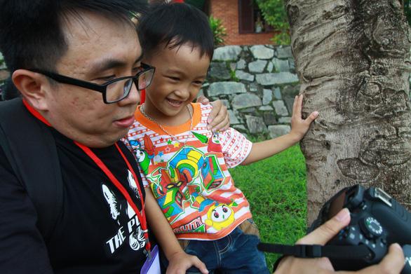 750 ảnh chân dung trẻ em và bệnh nhân ung bướu  xúc động - Ảnh 4.