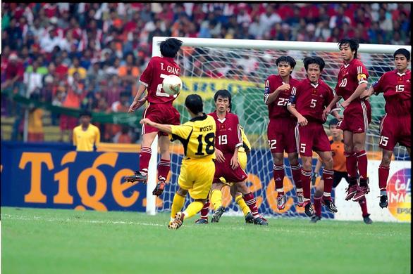 Bốn cuộc đối đầu kinh điển giữa Việt Nam và Malaysia ở AFF Cup - Ảnh 1.