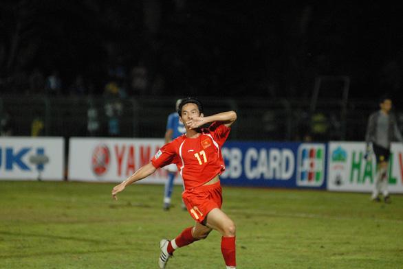 Bốn cuộc đối đầu kinh điển giữa Việt Nam và Malaysia ở AFF Cup - Ảnh 2.