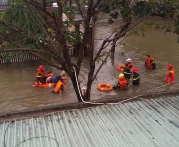 Mưa lớn kéo dài, Đà Nẵng tốc lực đào kênh thoát nước - Ảnh 3.