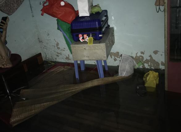 Sau một đêm mưa lớn, Đà Nẵng ngập nặng - Ảnh 5.