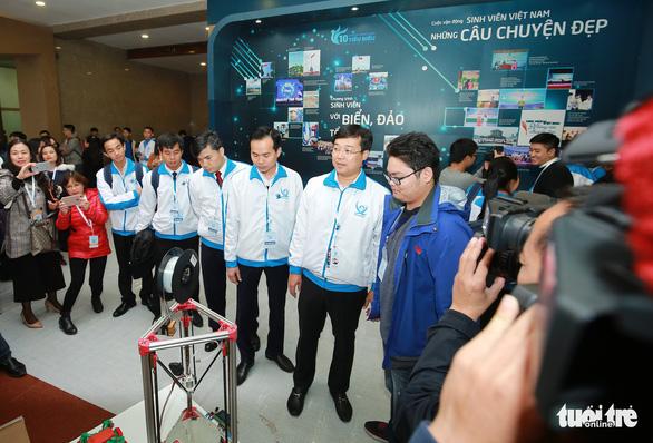 Robot, máy in 3D tại triển lãm sinh viên Việt Nam - Ảnh 3.