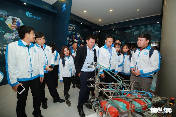 Robot, máy in 3D tại triển lãm sinh viên Việt Nam - Ảnh 8.