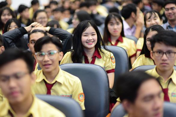 'Thời điểm vàng' để học sinh giải tỏa thắc mắc về kỳ thi THPT quốc gia - Ảnh 1.