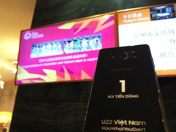 Samsung Vina tặng đội tuyển U-23 VN phần quà trị giá 1,2 tỉ đồng - Ảnh 2.