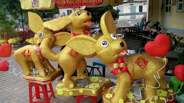 Dân Sài Gòn - Hà Nội bỏ tiền triệu sắm linh vật chó chơi Tết - Ảnh 7.