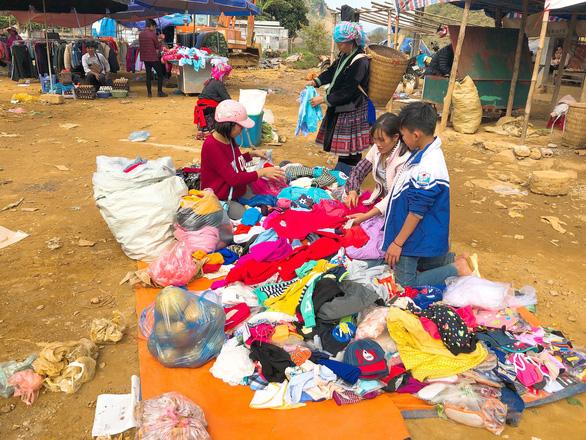 Tết vùng cao: Phiên chợ San Thàng - Ảnh 2.