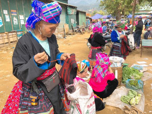 Tết vùng cao: Phiên chợ San Thàng - Ảnh 1.
