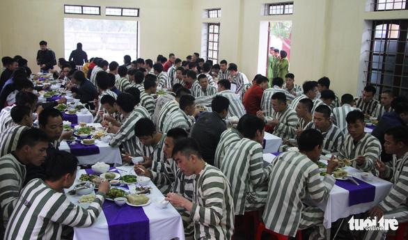 Bữa cơm đoàn viên của những khát vọng hoàn lương - Ảnh 1.