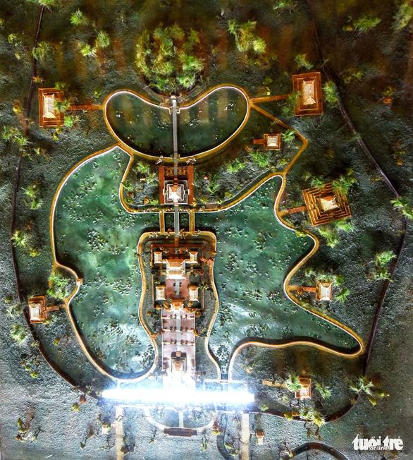 Không gian trưng bày về vua Minh Mạng ở Hiếu Lăng - Ảnh 4.