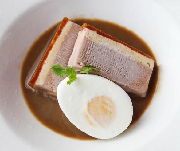 Tết trẻ với bánh chưng, thịt kho phiên bản kem - Ảnh 1.