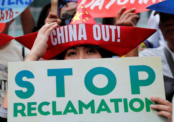 Bất kể Tết, Trung Quốc vẫn tranh phần trên biển Philippines - Ảnh 2.