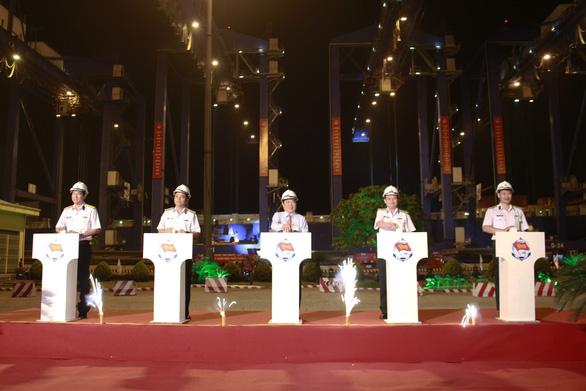 Tân Cảng Sài Gòn được nghỉ hai giờ trước khi làm hàng đầu năm - Ảnh 3.