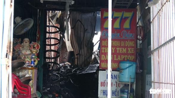 Tiệm sửa xe khóa kín cửa cháy rụi ngày mùng 3 tết - Ảnh 5.
