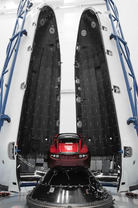 Số phận kỳ lạ của siêu xe Tesla của tỉ phú Elon Musk - Ảnh 5.