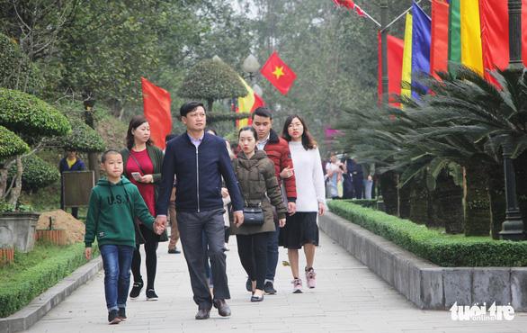Dừng phát thẻ ấn đền thờ Quang Trung vào mùng 5 tết - Ảnh 4.