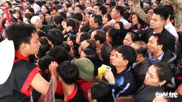 Dừng phát thẻ ấn đền thờ Quang Trung vào mùng 5 tết - Ảnh 2.