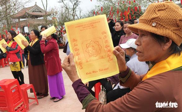 'Biển người' xin ấn, xin chữ ở chùa Đại Tuệ - Ảnh 10.