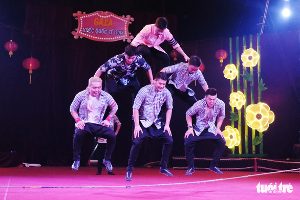Thót tim xem video các màn trình diễn từ Gala xiếc quốc tế - Ảnh 1.