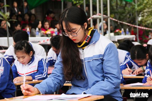 500 học sinh giỏi đất cảng 'khai bút' đầu xuân - Ảnh 6.