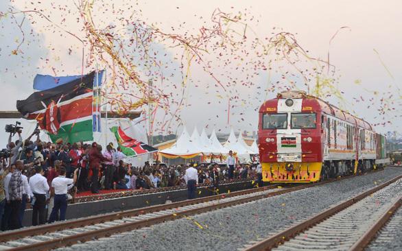 Trung Quốc vung tiền chơi ngoại giao đường sắt - Ảnh 3.