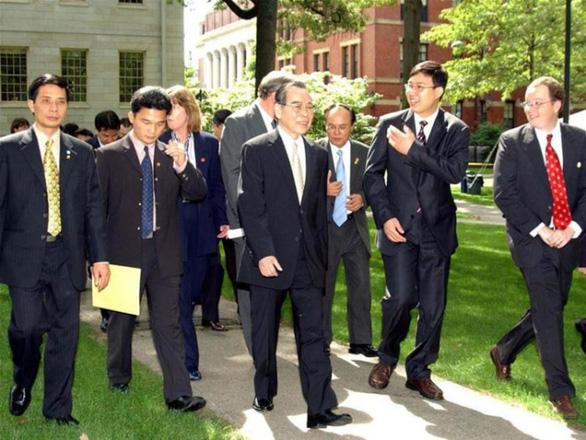 Nguyên Thủ tướng Phan Văn Khải - người đi đầu mở cửa kinh tế - Ảnh 3.