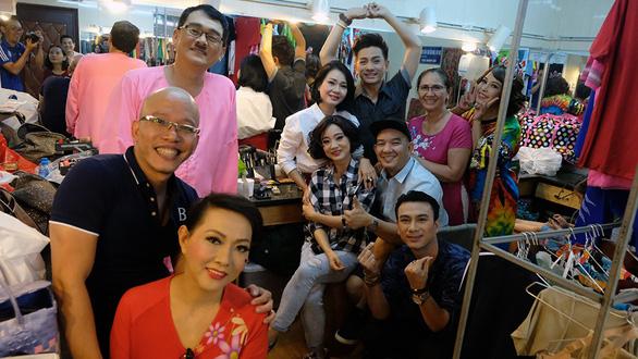 Nghe Kim Cương, Thu Trang, Diệu Nhi... kể về tết bên sân khấu - Ảnh 1.