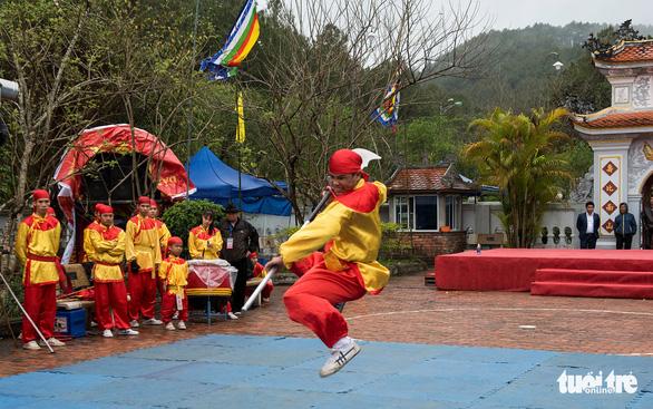 Lễ hội đền Huyền Trân ở Huế: Ngưỡng vọng tiền nhân - Ảnh 4.