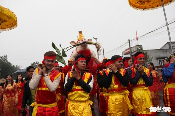 Độc đáo lễ hội cầu ngư - rước cá sủ vàng tại Hải Phòng - Ảnh 4.