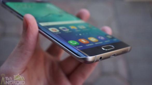Trước giờ ra mắt Galaxy S9: Nhìn lại các đời Galaxy S của Samsung - Ảnh 7.