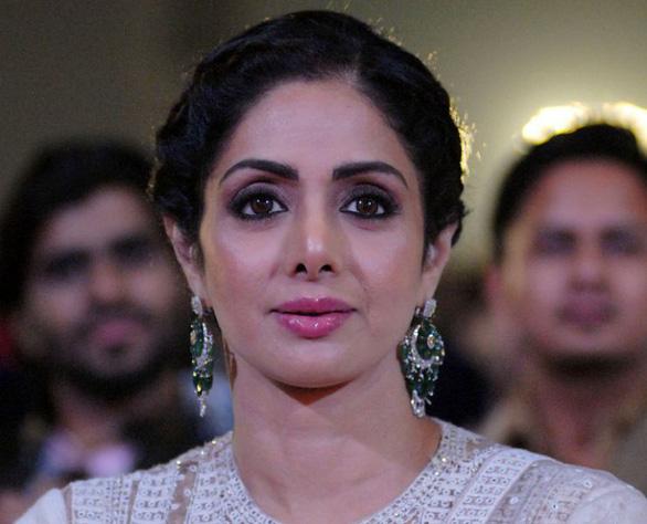 Nữ diễn viên vĩ đại của điện ảnh Ấn Độ đột tử tuổi 54 - Ảnh 1.