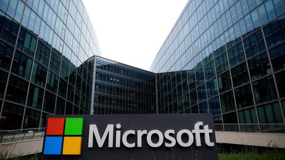 Microsoft 'đấu' Bộ Tư pháp Mỹ về dữ liệu lưu ở nước ngoài - Ảnh 1.