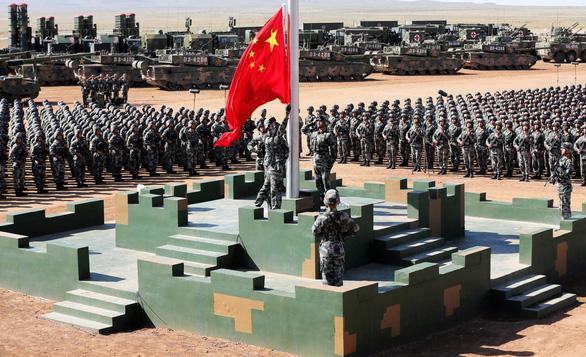 Quân đội Trung Quốc phô diễn sức mạnh để… xin thêm tiền - Ảnh 3.