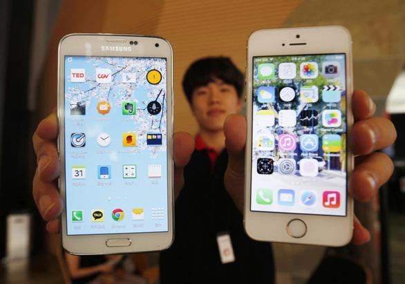 Quý 4-2017 Apple lại vượt Samsung về thị phần smartphone - Ảnh 1.