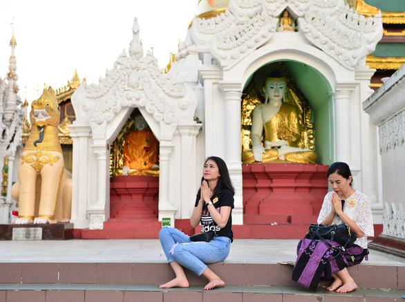 Ngày xuân hành hương về cõi Phật - Ảnh 1.