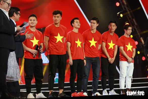 U23 Việt Nam bất ngờ nhận giải WeChoice 2017 - Ảnh 1.