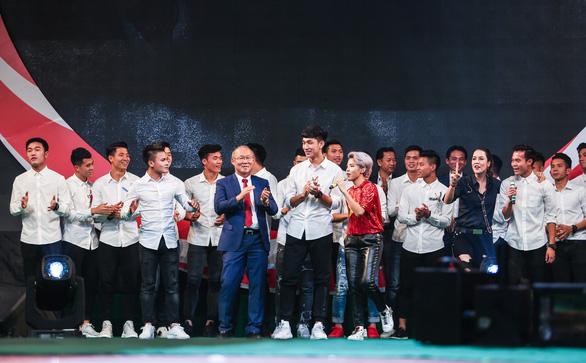 Quang Hải ghi bàn trước Xuân Bắc, Thu Phương, Huy Tuấn... - Ảnh 17.