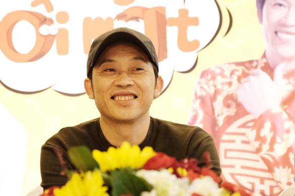Nghệ sĩ Hoài Linh chúc Tết độc giả Tuổi Trẻ Online - Ảnh 2.