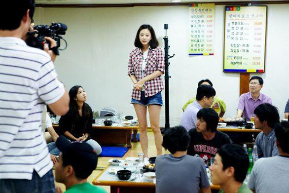 Môi trường giải trí Hàn Quốc khắc nghiệt nên khủng hoảng - Ảnh 4.